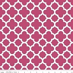 Medium Quatrefoil in Raspberry - Riley Blake House Designer - Quatrefoil Cottons